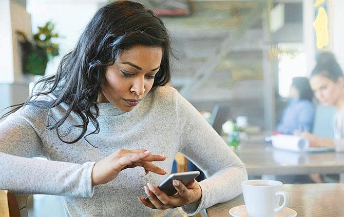 Adicción al celular es perjudicial