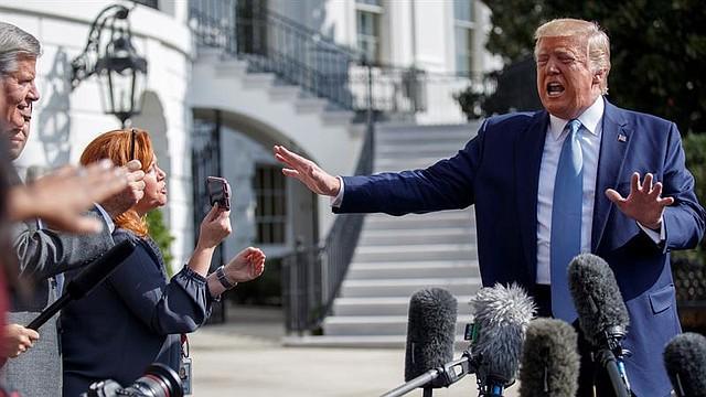 POLÍTICA. El presidente Donald Trump se enfrenta a la posibilidad de un juicio político tras una investigación iniciada en la Cámara de Representantes. | Foto: Efe.