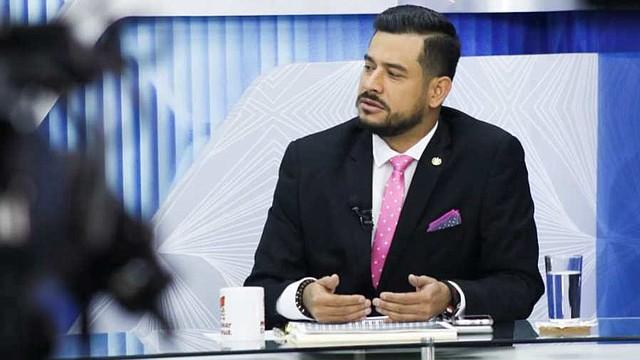 EL SALVADOR - Hacienda advierte que el presupuesto del Estado endeudaría al país por al menos 10 años.