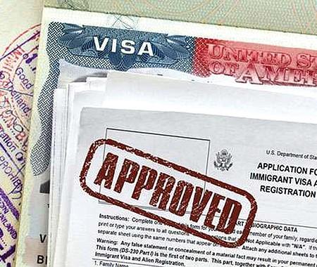 PRUEBA. Una nueva disposición migratoria, que entra en vigor el 3 de noviembre, requiere que todos los solicitantes de visa de inmigrante demuestren que tienen suficientes recursos para pagar un seguro médico.