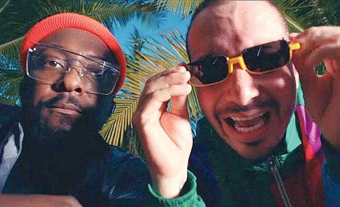 A dúo con Black Eyed Peas