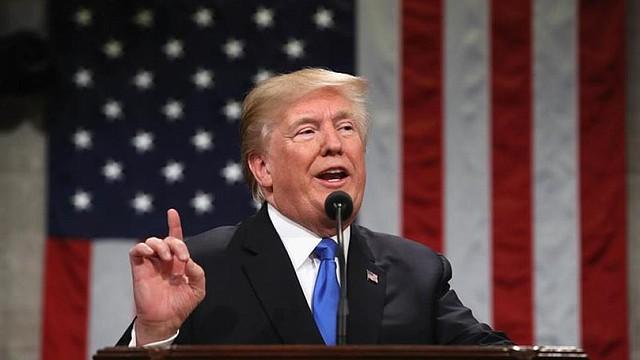 SEÑALAMIENTO. Según el mandatario, la mayoría de personas que votó por él, 94% según datos que publicó en su cuenta de Twitter, desea que siga como Presidente.
