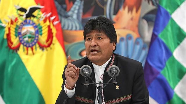 BOLIVIA. El presidente de Bolivia, Evo Morales, en una comparecencia hoy miércoles ante los medios en La Paz tras dos días de protestas en el país por la sospecha de un fraude electoral a su favor