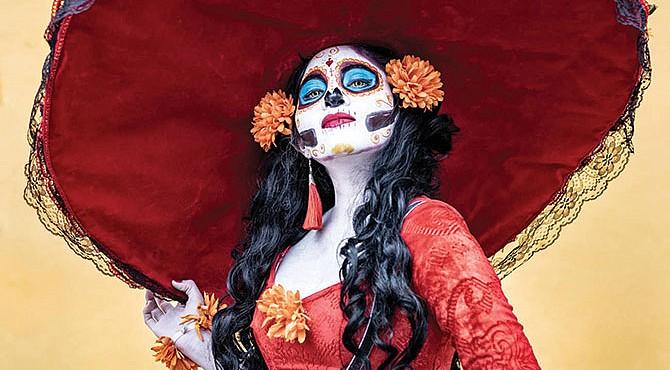 Festival de muertos en la plaza