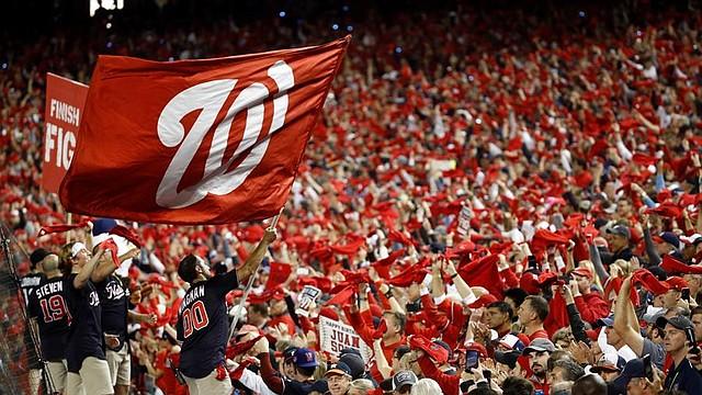 El regreso de la Serie Mundial a Washington fue una fiesta que millares festejaron / EFE