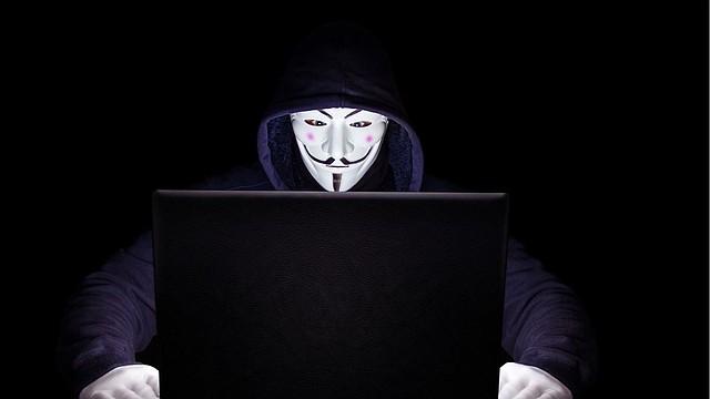 """EDITORIAL. """"La Guerra Fría se ha transmutado. Con la llegada de nuevas tecnologías, ha invadido otros campos de batalla: el internet y las redes sociales son ejemplo de ello"""".   Foto de referencial/Pixabay"""