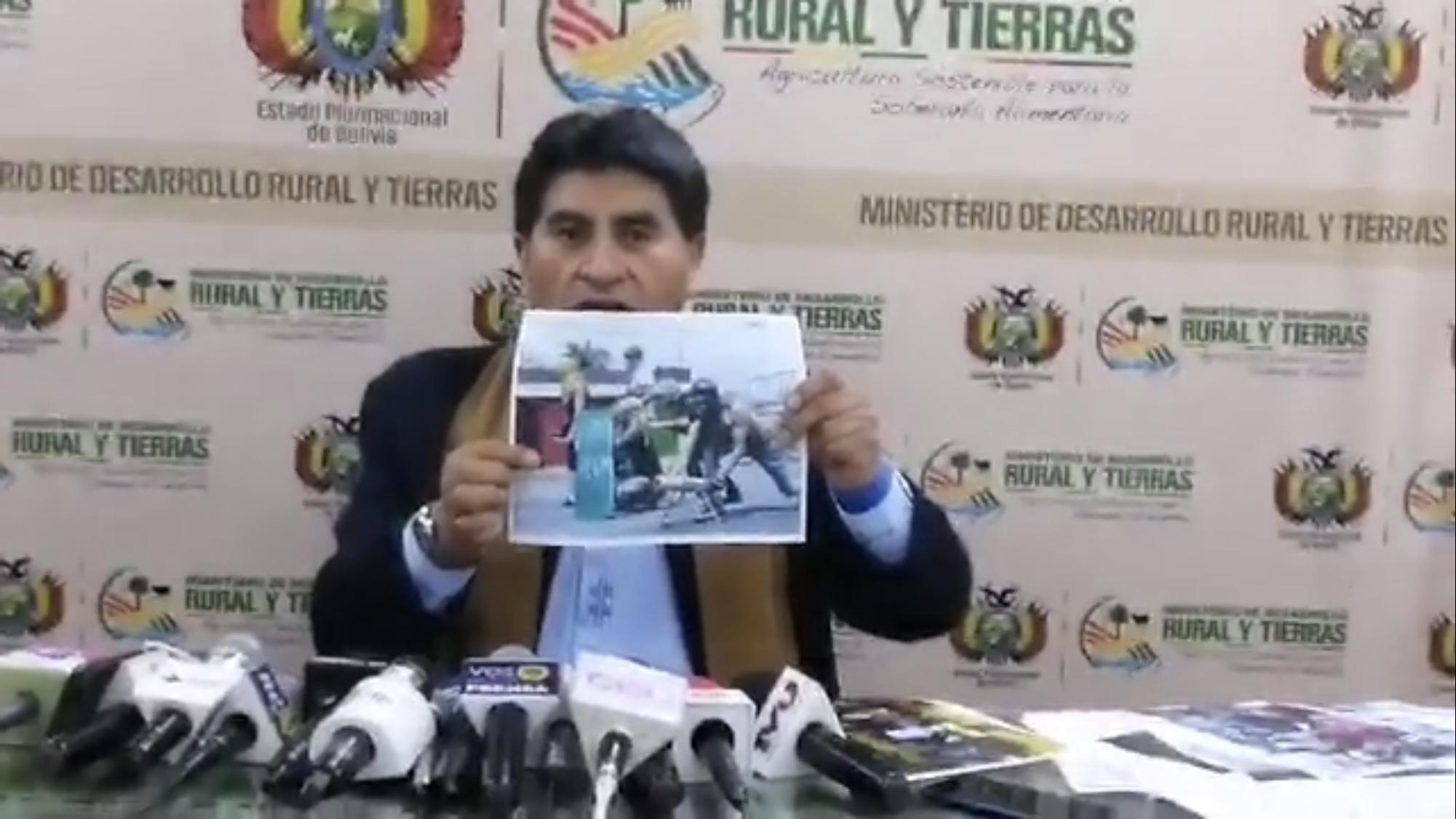 DESINFORMACIÓN. La foto que muestra el ministro fue tomada en el año 2014 durante una protesta en el estado Lara, en Venezuela, en contra del régimen de Nicolás Maduro.