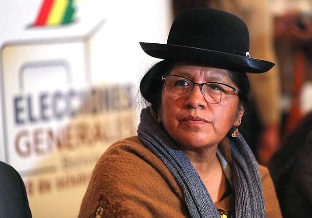 LA PAZ. María Eugenia Choque Quispe, expresidenta del TSE de Bolivia, presentó su renuncia el domingo 10 de noviembre y expresó su intención de someterse a cualquier investigación sobre los comicios del 20 de octubre. | Foto: Efe/Martín Alipaz