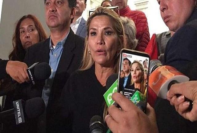 LÍDER. Es la segunda mujer al frente de su país / @Ian56789