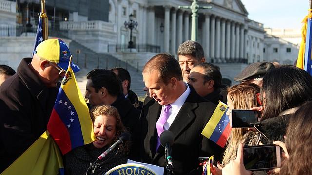 LIBERTAD. Tanto los representantes como el Embajador Vecchio enfatizaron que la libertad para Venezuela no es un tema partidista.