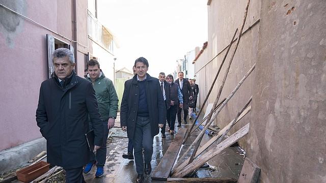 INUNDACIONES. El Gobierno de Italia trata de dar respuesta a los venecianos y la ciudad intenta ponerse de nuevo en pie.