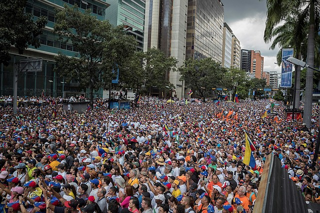CARACAS. Juan Guaidó exhortó, en días previos a la marcha, que no hay salidas mágicas ni rápidas para lograr el cese de la usurpación de Maduro. | Foto: Efe/Rayner Peña.