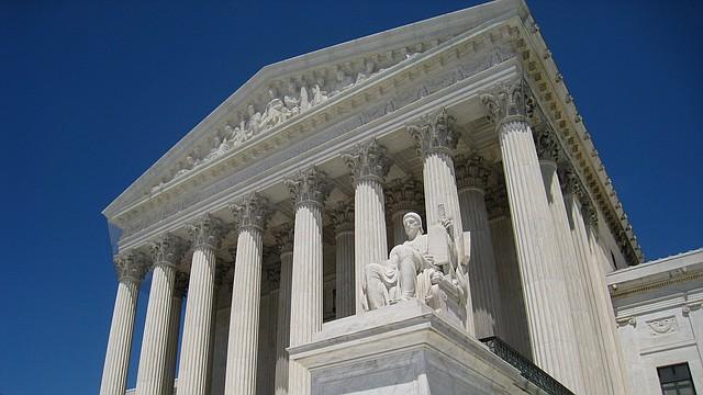 MIGRACIÓN. Corte Suprema de EE.UU.