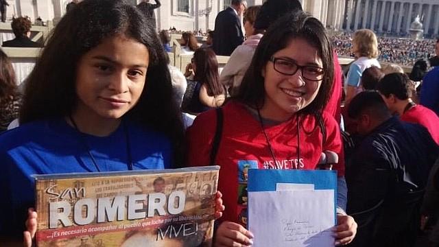 ROMA. Crista (izq.) hizo presencia en Roma, Italia, durante los actos de canonización de San Oscar Arnulfo Romero en octubre de 2018 / Tomás Guevara