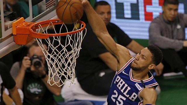 DOMINANTE. Ben Simmons tardó un año en jugar su primer encuentro de NBA / EFE