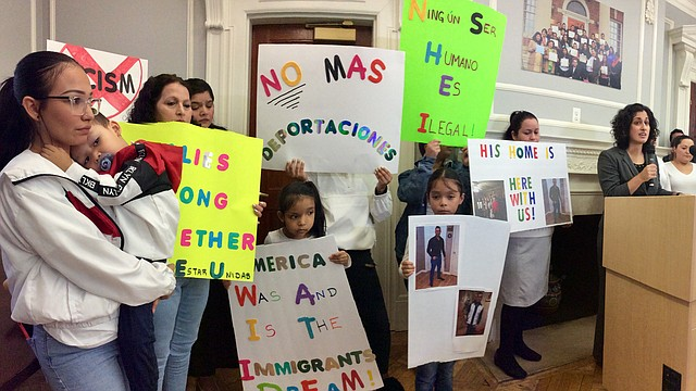 VOZ. Familia de José Villalta, durante la conferencia de prensa el lunes, 25 de noviembre. | Foto: Cortesía CASA