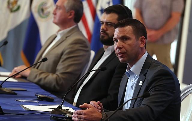 CONVENIOS. Kevin McAleenan, secretario de Seguridad Nacional en funciones, ha representado a Estados Unidos en las negociaciones y firma del acuerdo. | Foto: Efe/Rodrigo Sura.