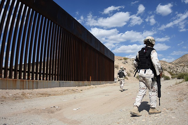SEGURIDAD. Presionado por Estados Unidos, el gobierno de Andrés López Obrador ha reforzado la seguridad y controles en la frontera norte de México. | Foto: Efe/Rey Jauregui.