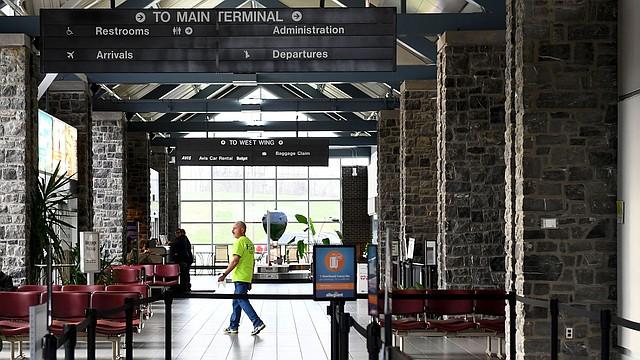 LOCALES. El Aeropuerto Regional de Hagerstown perdió un subsidio federal de $ 2,3 millones para vuelos de Southern Airlines desde y hacia Baltimore y Pittsburgh. El último vuelo fue a fines de octubre. | Foto: Katherine Frey/The Washington Post.