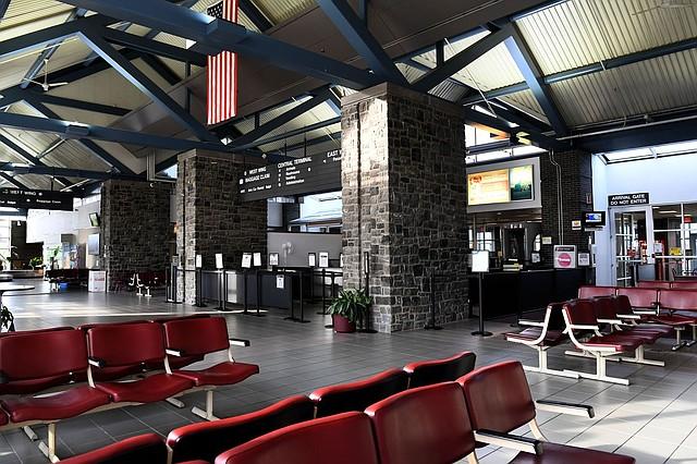 LOCALES. El subsidio federal del Aeropuerto Regional de Hagerstown había apoyado vuelos diarios, que conectaban el pequeño aeropuerto a media milla de la frontera de Pensilvania con Baltimore y Pittsburgh. Foto: Katherine Frey/The Washington Post.