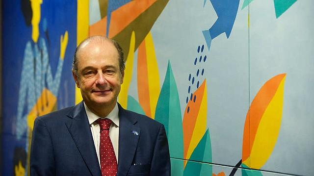 COOPERACIÓN. El embajador Andreu Bassols explicó que actualmente se invierten $ 60 millones en un programa para mejorar la seguridad ciudadana. | Foto: elsalvador.com.
