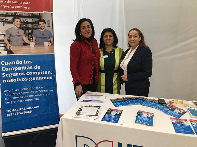 EVENTO. Ángela Franco (izq.), asesora principal, junto a voceras de DC Health Link en pleno evento.