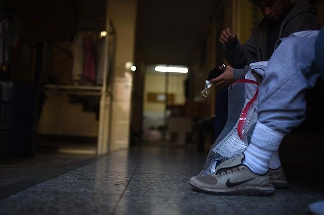 MIGRACIÓN. La identidad de los ciudadanos fue reservada por las autoridades. | Foto: Efe/Edwin Bercían.