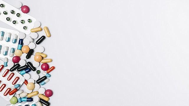 RIESGO. Un efecto de la toma de antibióticos en el ecosistema de los intestinos, se asocia a la enfermedad de Parkinson. | Foto: freepik.com.