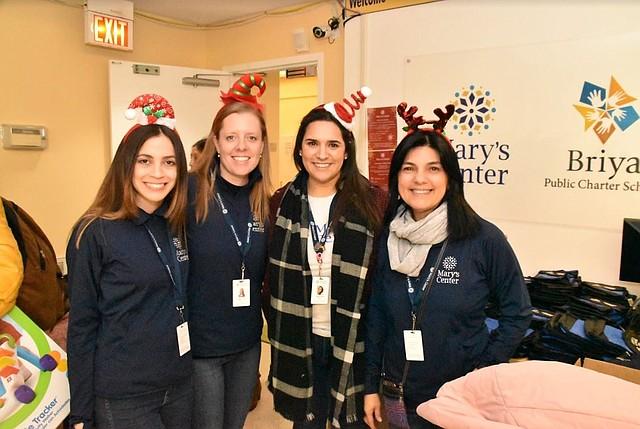 NAVIDAD. En otras sedes de Mary's Center también se llevarán regalos antes de la fiesta de Reyes Magos.   Foto: Tomás Guevara.