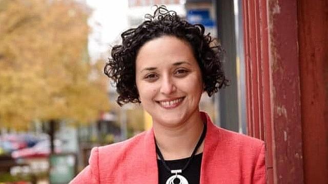 HISTORIA. Dalia Palchick juramentó el 16 de noviembre como la primera latina en la Junta de Supervisores de Fairfax, VA.   CREDITO: CORT. CAMPAÑA