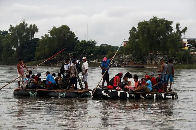 BÚSQUEDA. Las condiciones que se viven en países de Centroamérica obligan a los ciudadanos a buscar mejores condiciones.   CREDITO: EFE - Esteban Viva.
