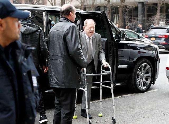 JUDICIALES. Llegada de Harvey Weinstein a la corte el 7 de enero de 2020, para responder a cargos por presunto abuso sexual. | Foto Efe.