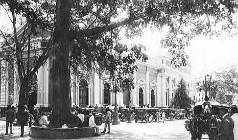 HISTORIA. Helmut Neumann, Universidad Central de Venezuela Caracas 1937. Colección Helmut Neumann / Crédito: Archivo Audiovisual de la Biblioteca Nacional