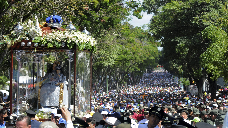 RELIGIÓN. Imagen de archivo de la procesión de la Divina Pastora en Barquisimeto, estado Lara, el 14 de febrero de 2015. | Foto: Efe/Dedwison Álvarez.