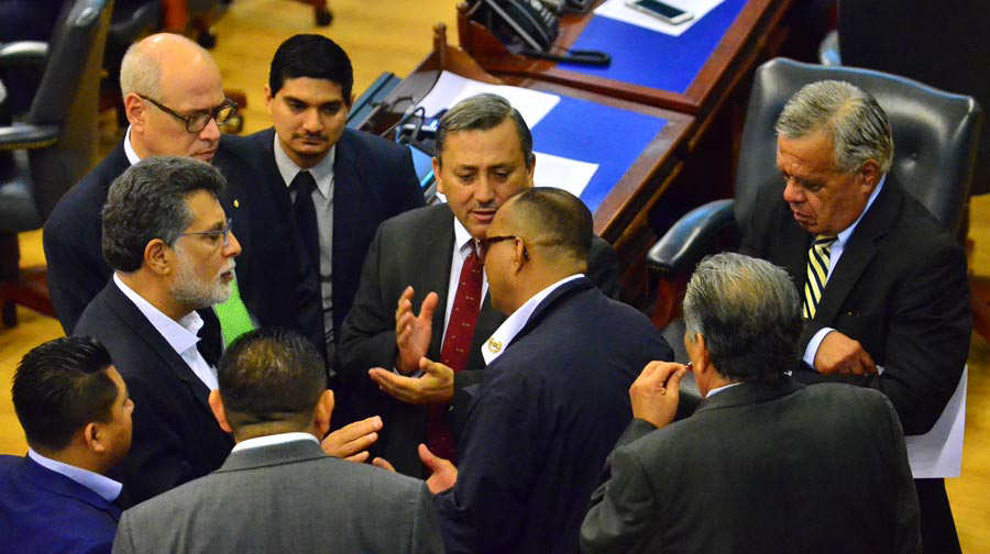 EL SALVADOR. Entre junio y diciembre de 2019, el presidente envió a la Asamblea Legislativa 45 iniciativas que lograron ser votadas