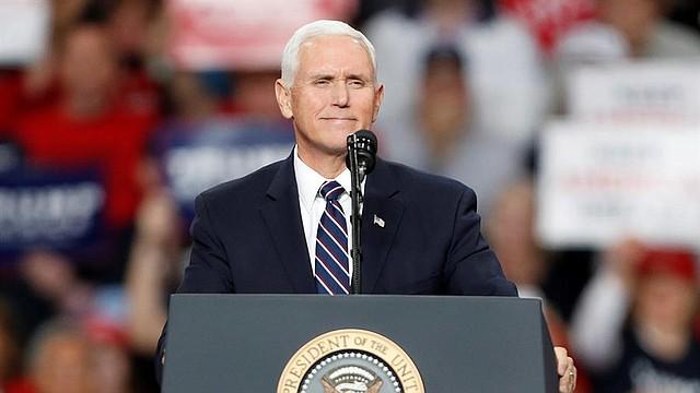 POLÍTICA. El Vicepresidente Pence, según declaraciones fue quien presionó para definir las relaciones con Ucrania