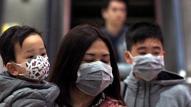 CORONAVIRUS. Las autoridades sanitarias de China informaron que un total de 291 casos confirmados de la neumonía causada por el nuevo coronavirus y 54 casos sospechosos habían sido reportados en China hasta ayer lunes.
