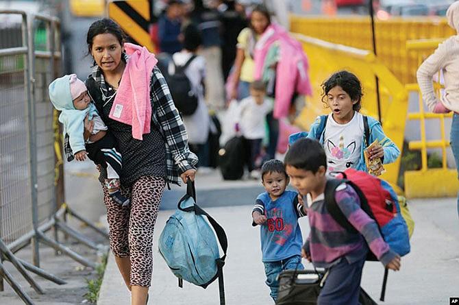Recibir ayuda federal perjudica a inmigrantes