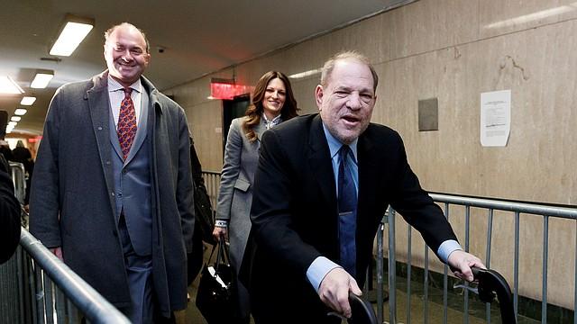 JUDICIALES. Harvey Weinstein podría enfrentar una condena perpetua de ser hallado culpable. | Foto: Efe.