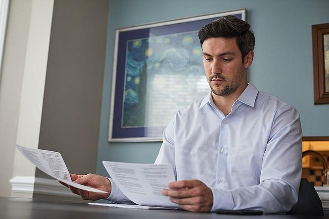 SALUD. Consulta sitios web, como Healthcare Bluebook y Fair Health, para ver qué pagan las aseguradoras por una atención similar en tu área