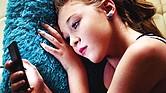 DAÑINO. Según diversos estudios científicos, hay un vínculo fuerte entre la escasez de sueño y el uso del teléfono móvil por la noche, que deriva en un estado mental depresivo con una caída de la autoestima.
