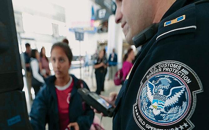 Para viajeros e inmigrantes: Está vigente un nuevo sistema de reconocimiento facial