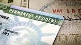Interrumpir la continuidad de su residencia permanente puede perjudicar su elegibilidad para la naturalización.