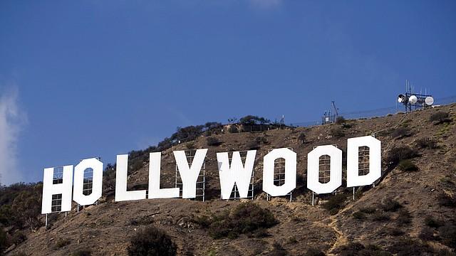 VIRUS. Hollywood es otro de los grandes mercados opacados por el nuevo brote de coronavirus y las medidas que buscan evitar su propagación incrementan cada día.