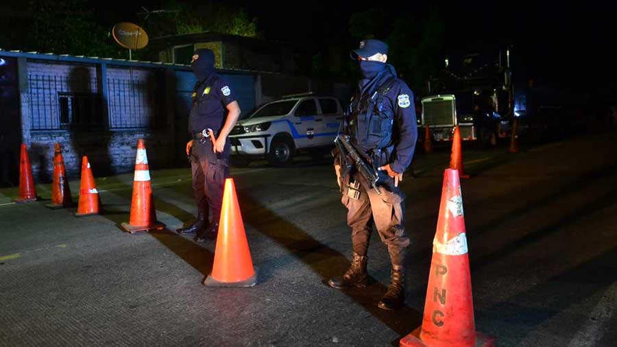 SALUD. El virus COVID-19 llegó a El Salvador el miércoles 19 de marzo.   Foto EDH/Jessica Hompanera.