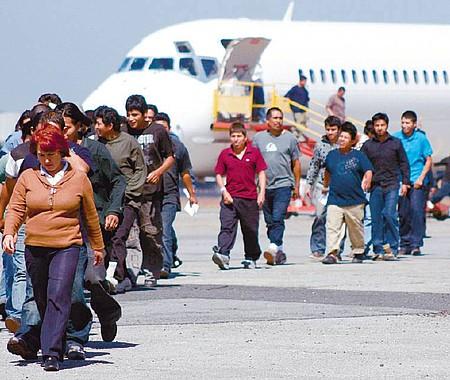 ADVERTENCIA. La falta de cooperación en el tema de las repatriaciones sería tenida en cuenta por la Administración Trump, que anunció represalias muy duras.