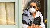 CDC vigila el cumplimiento del aislamiento en casa.