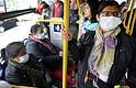 USO OBLIGATORIO. Sitios donde el distanciamiento social sea más difícil de mantener, como estaciones de transporte público, no se podrá acceder sin portar mascarilla.