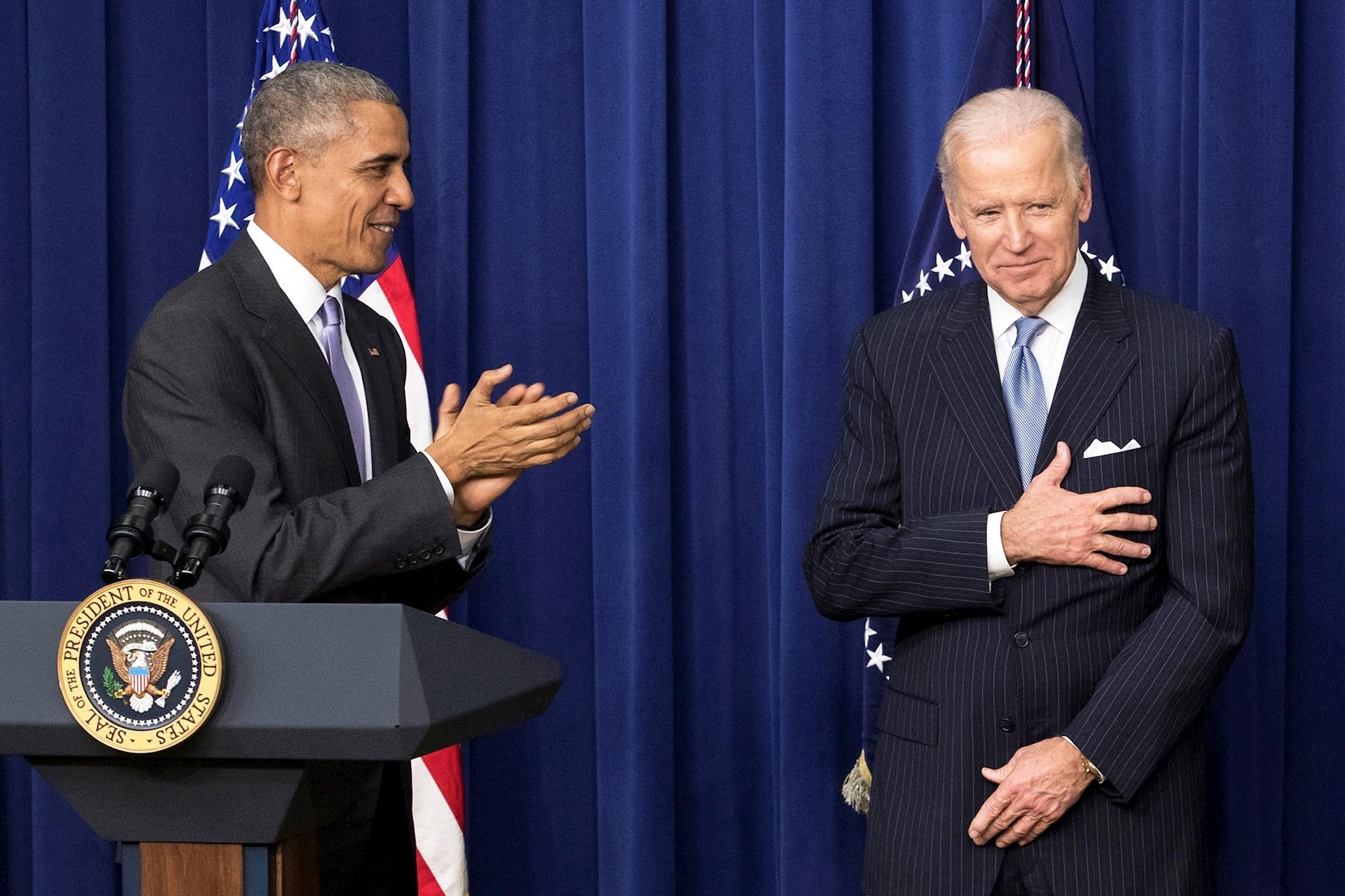 POLÍTICA. Barack Obama junto con Joe Biden, el 13 de diciembre de 2016. | Foto: Efe.