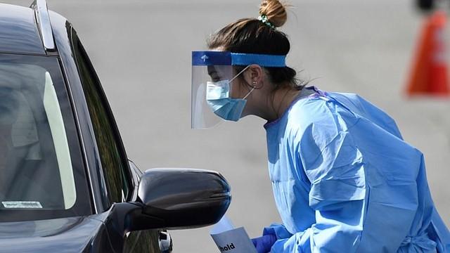 PANDEMIA. Centro de prueba de tipo dry-thru para realizar pruebas de diagnóstico de COVID-19 en Maryland. | Foto: Facebook @GovLarryHogan.